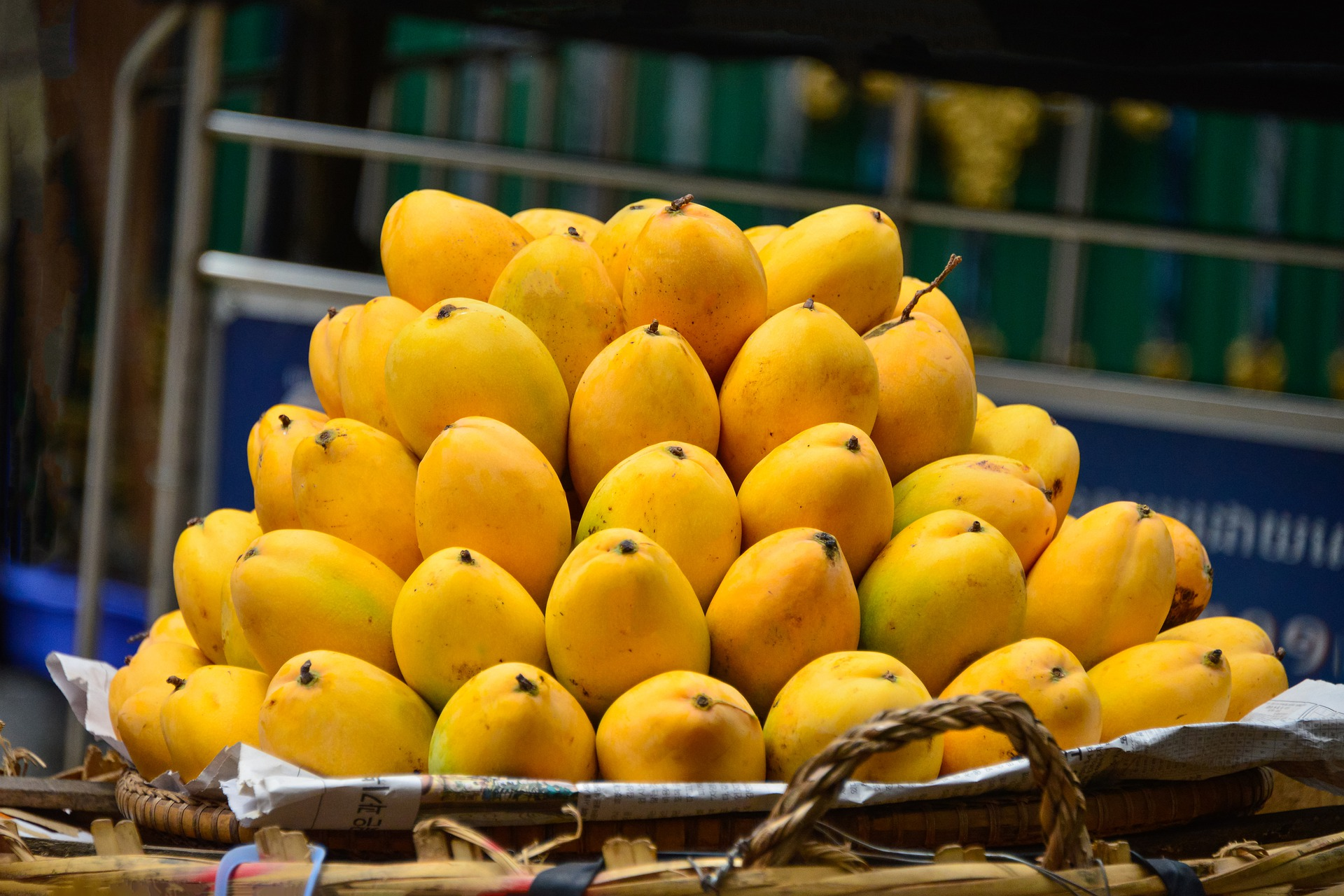 Best Tropical Fruits You Can Eat in the Philippines ...