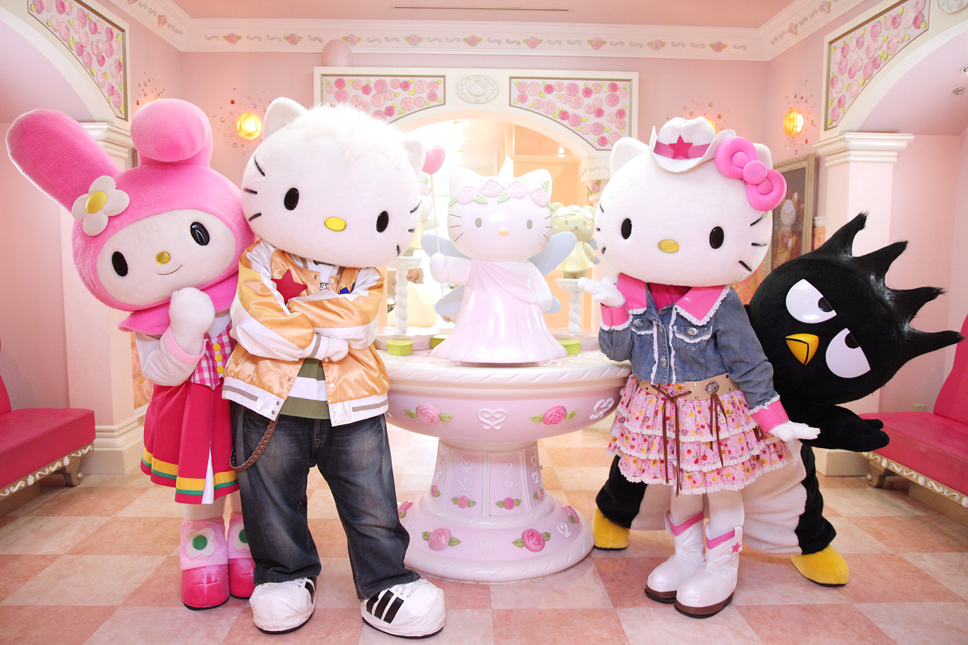 Sanrio-Hello-Kitty-Town-taxisingapore