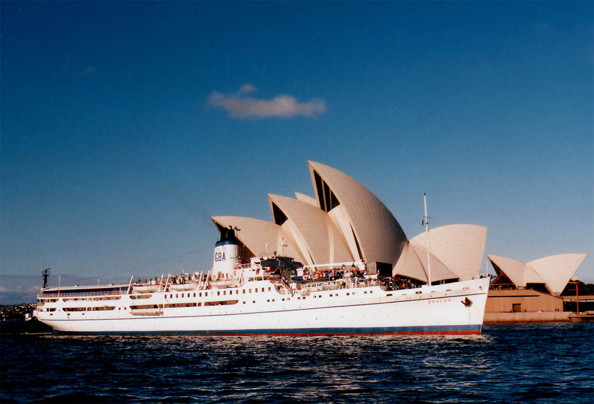 Doulos-SYD-4-7-99-R-Williams-Lge-1200