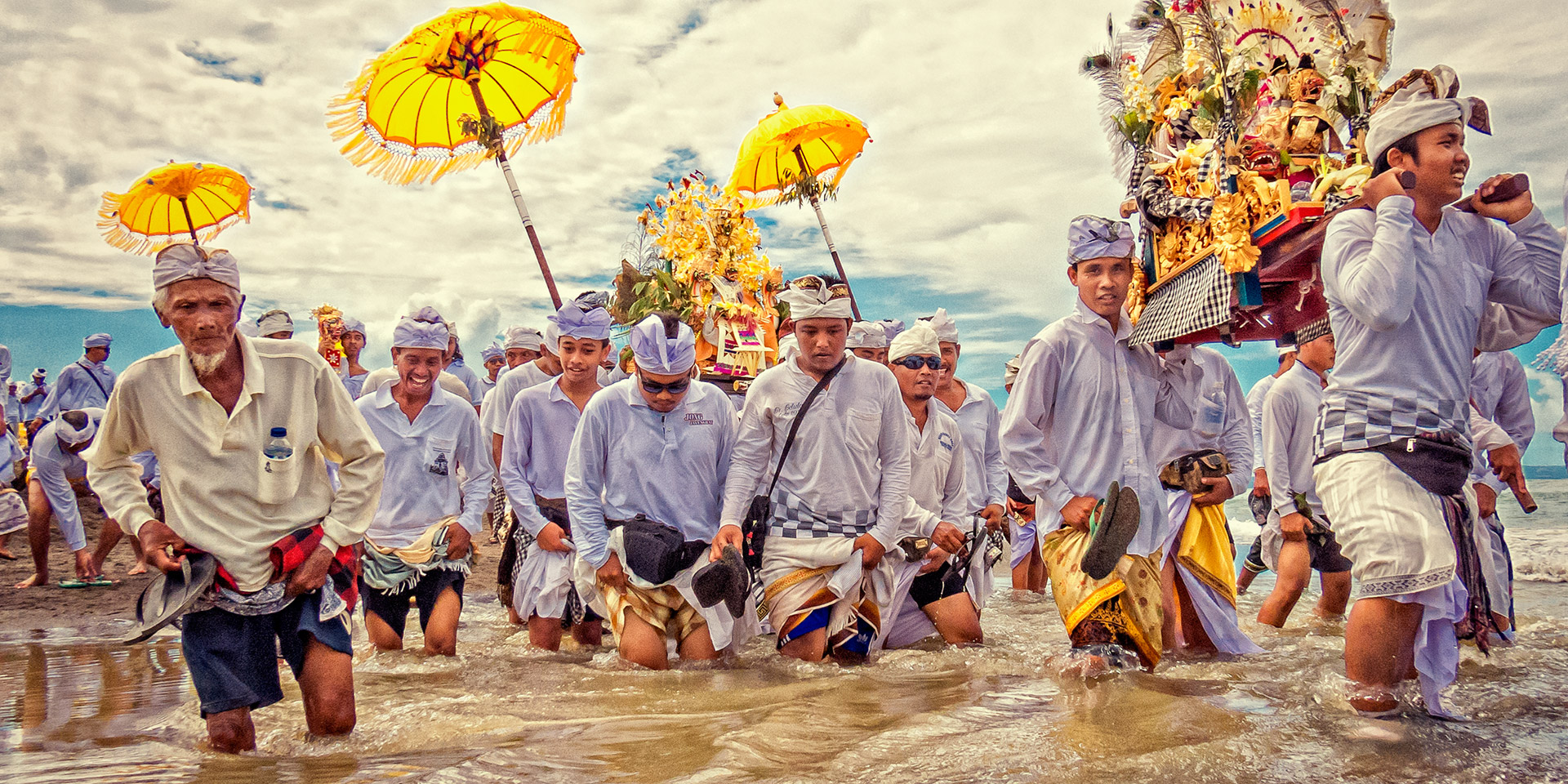 02-MELASTI-CELEBRATION-BALI-DOMINIK-PHOTOGRAPHY