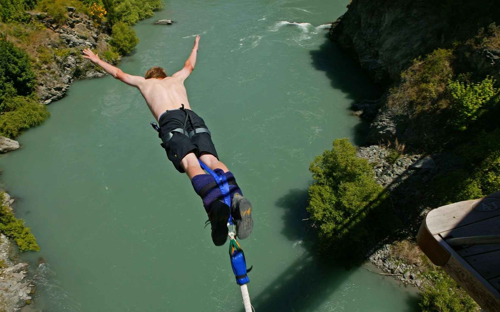 Bungee-Jumping-compressed