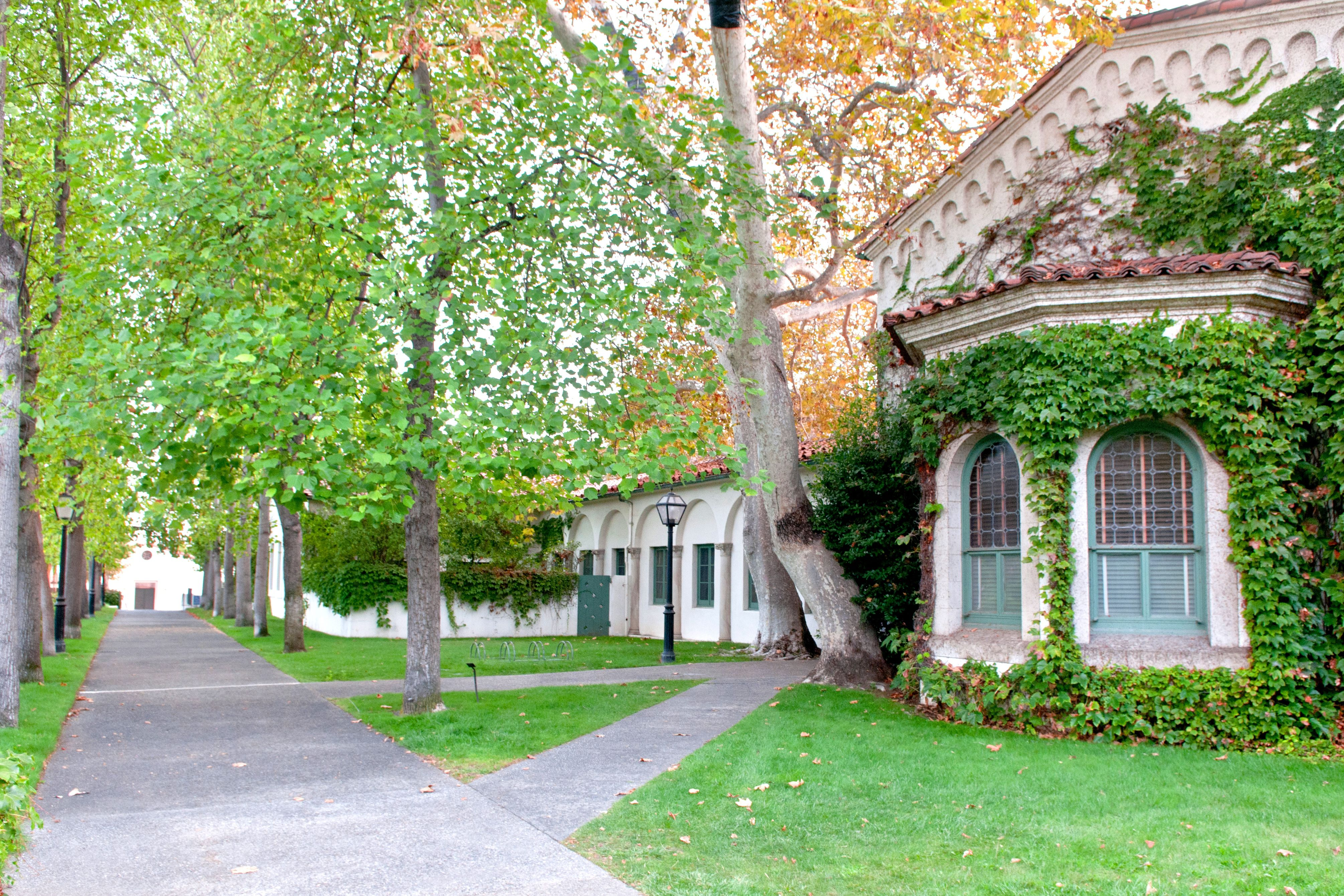 Scripps College, salah satu lokasi shooting film Bird Box